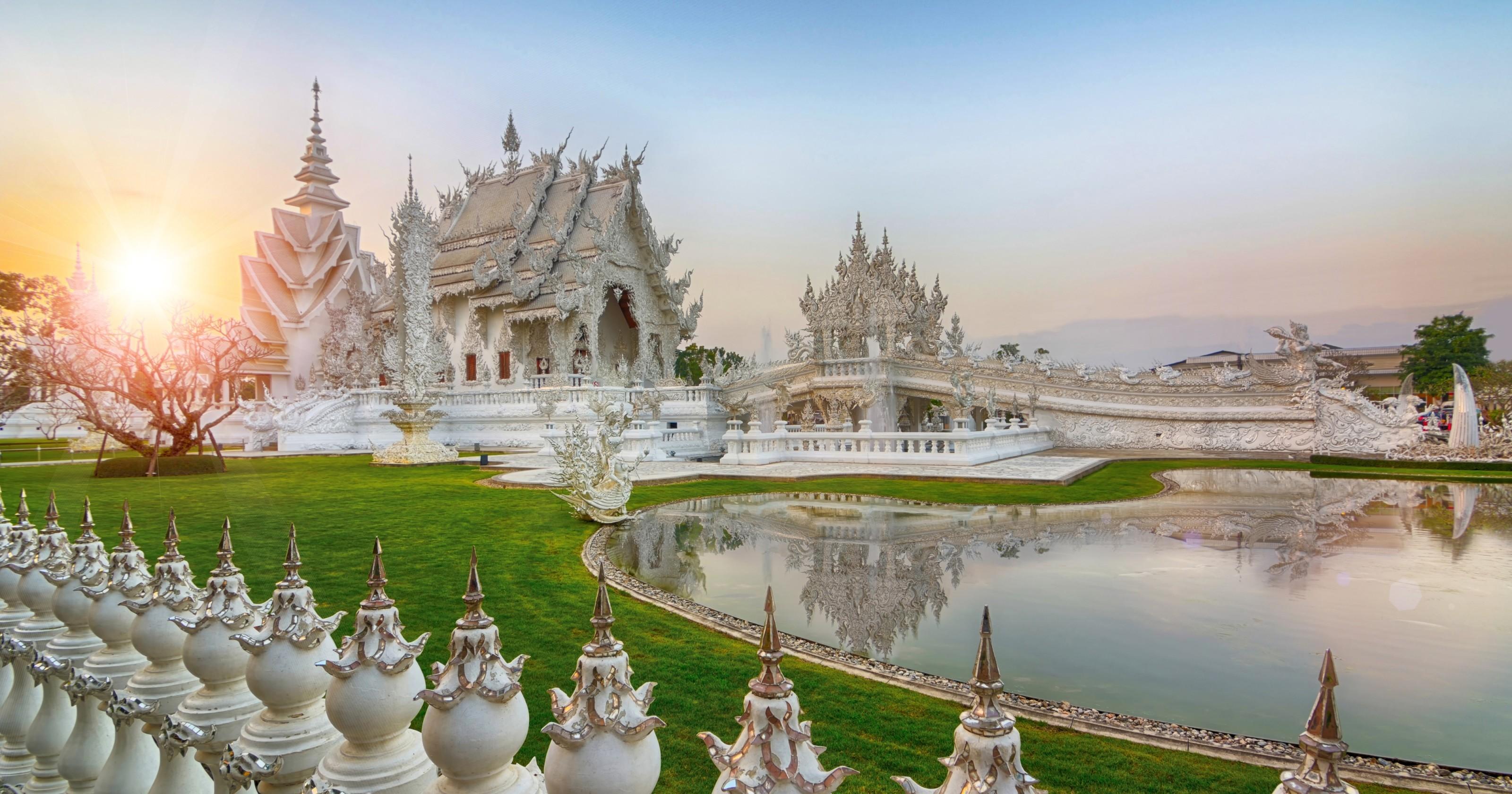10 ngôi chùa đẹp và độc đáo nhất ở Thái Lan