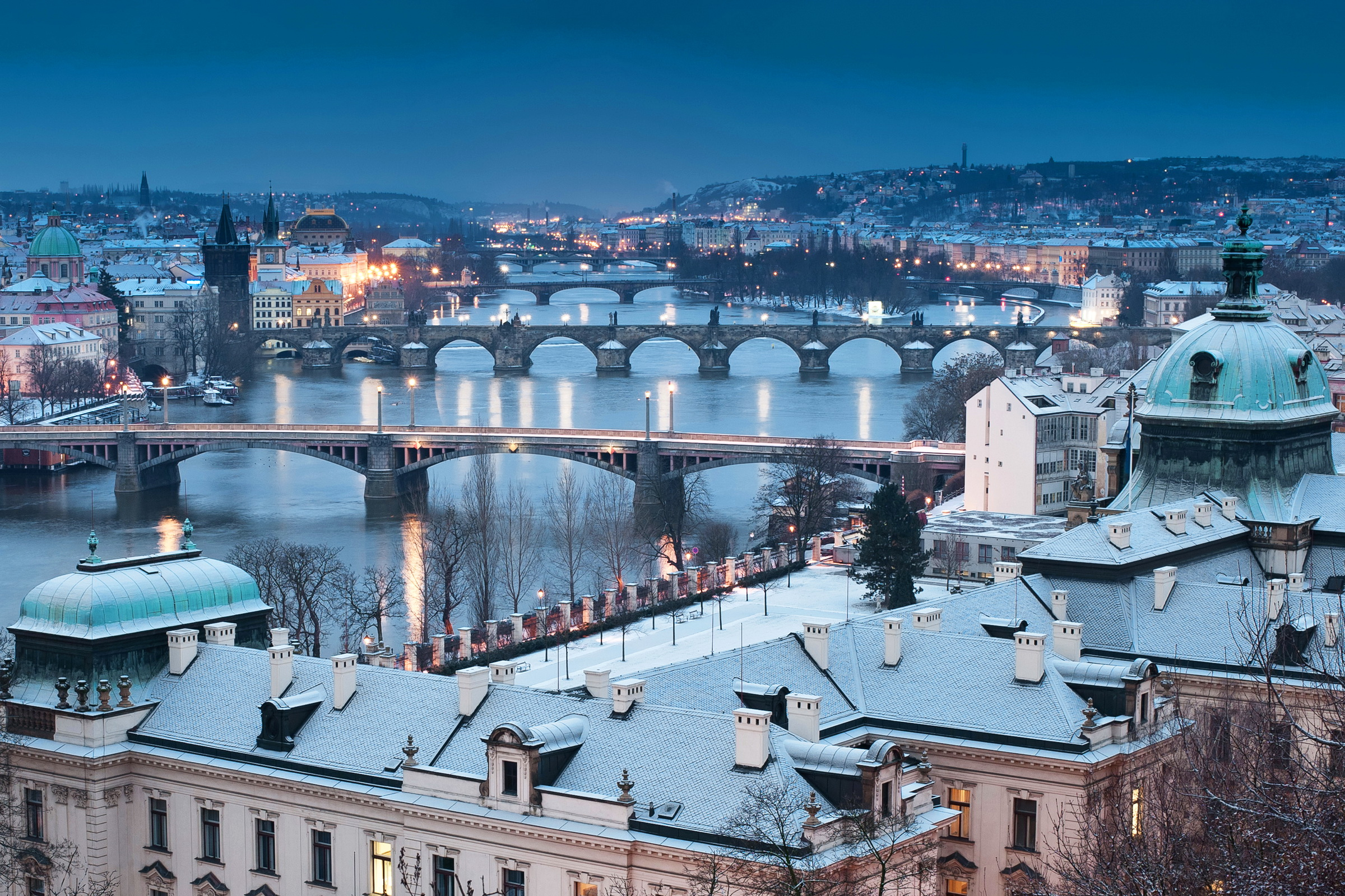 Prague-czech-republic-winter-azbooking