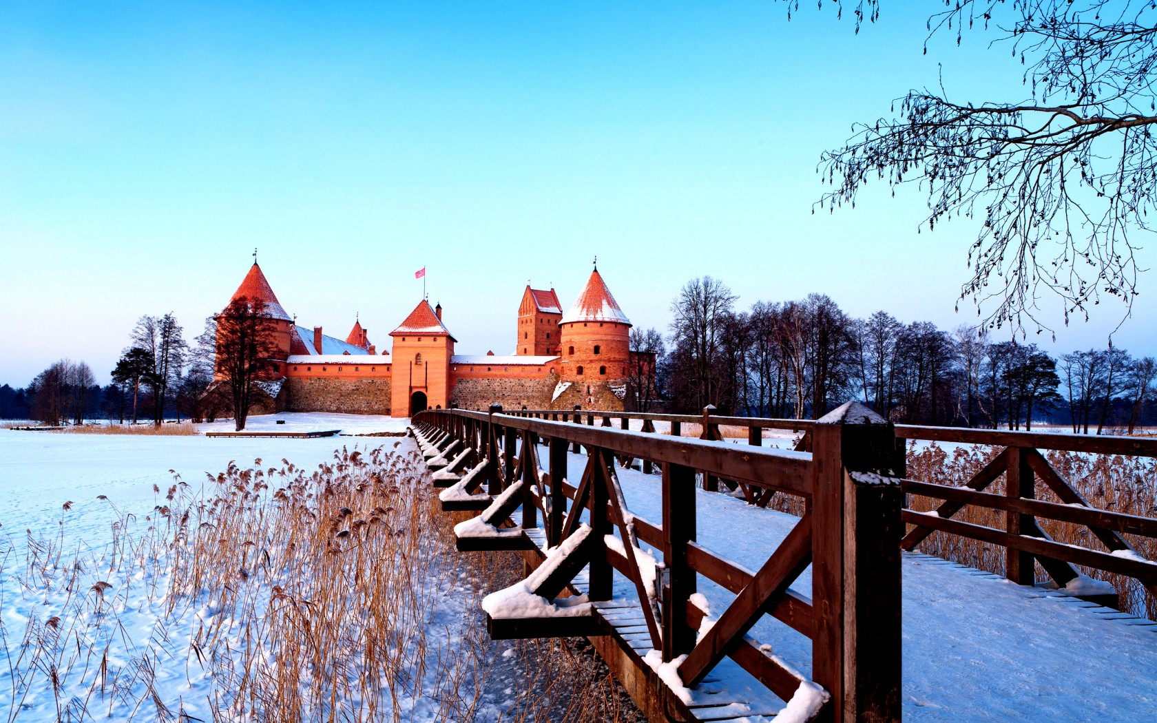 Trakai-lithuania-winter-azbooking